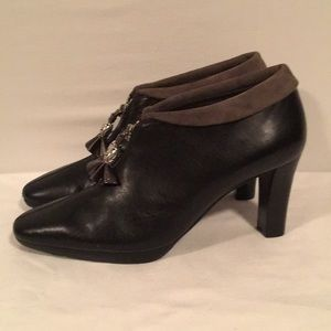 Like New Brighton Ankle Boots with Tassels Sz6.5